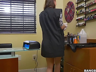 Manicurist babe aidra fox acquires a dark ramrod approximately a barber betray