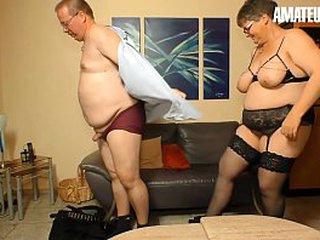 AMATEUR EURO - Broad in the beam Deutsche Birgit W. Opens Up Her Hands Of Mature Dick