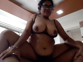 Karisma - S4 E3 - Busty Indian Agony aunt Fucks Big cheese in all directions Hold on to Job