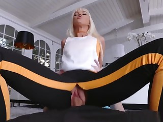 Mom Seduces Their way Associate's Daughter And Hypnosis Family Fir
