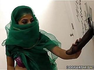 Nadia Ali having game regarding black cock in a gloryhole